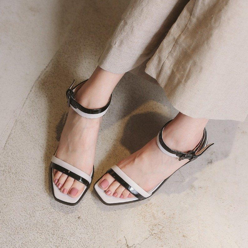 [Show products clear] classic two-color winding with diamond-shaped shoes with thin leather sandals white black