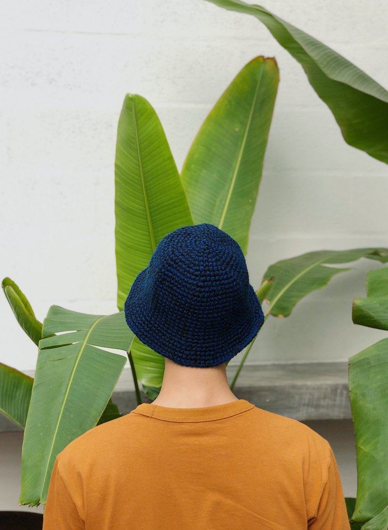 Crochet Cloche Hat/Blue