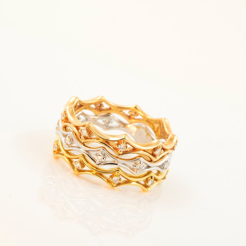 The Golden Crown Diamond Ring with 18K Gold Made in Japan