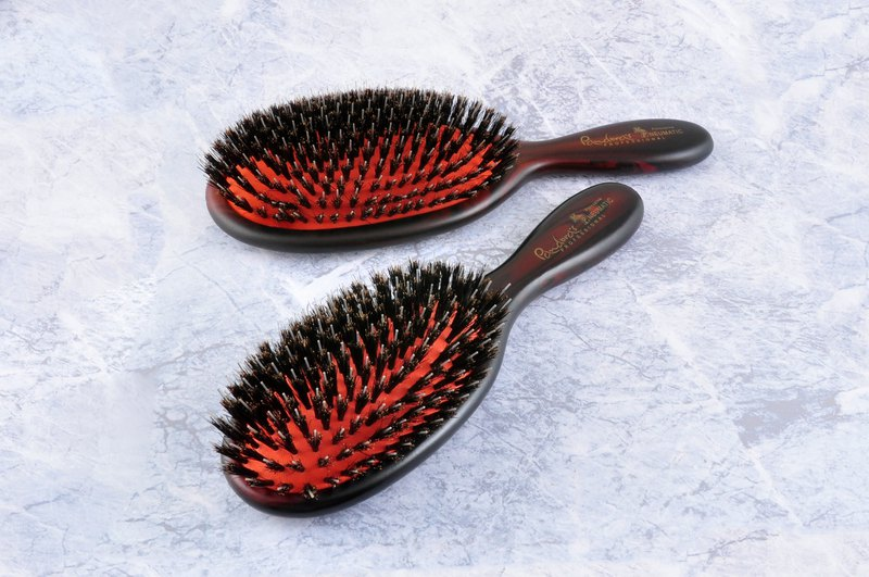 The first generation of health care air cushion bristles nylon comb