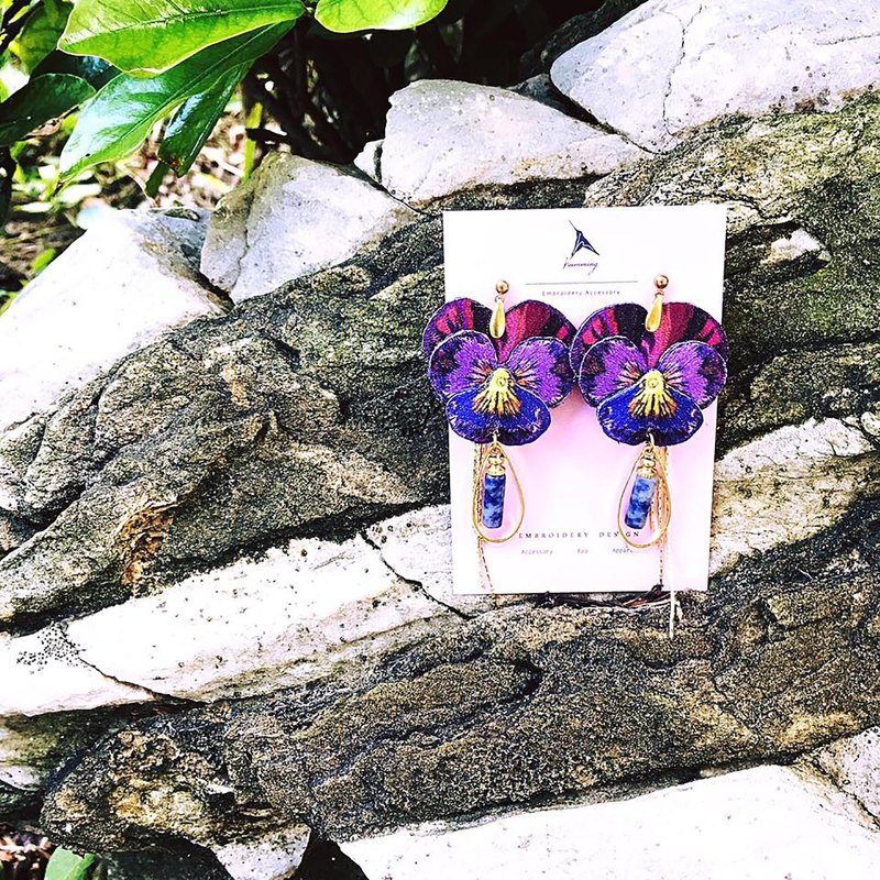humming Midsummer Night's Dream/Pansy Embroidered Earrings | Ear Pins | Clip-on | Three-dimensional Flower Series