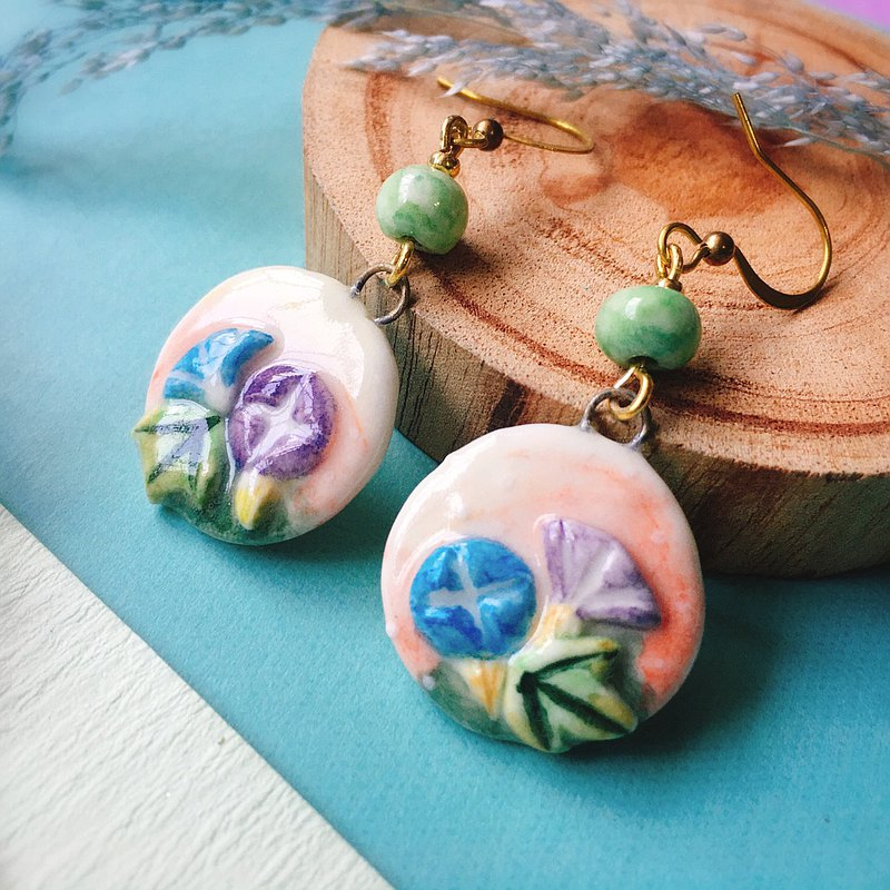 Porcelain print embossed earrings and wind morning glory