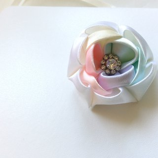 Colored ribbon flower brooch or hairpin