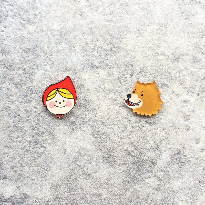 Pista Mound Hand-painted Earrings / Character - Little Red Riding Hood + Big Wolf