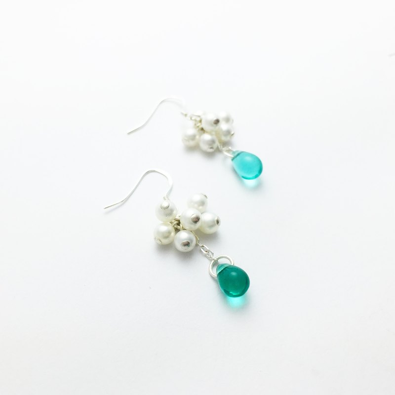 [If Sang] | Xia | Streamer years. Shell pearls. Malachite green / cherry blossom powder. Drops of water. S925 Sterling Silver Earrings / Earrings / Earrings / Ear Clips