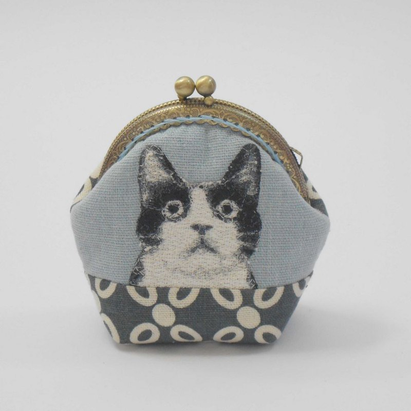 Embroidery 8.5cm gold coin purse 51 - black and white cat