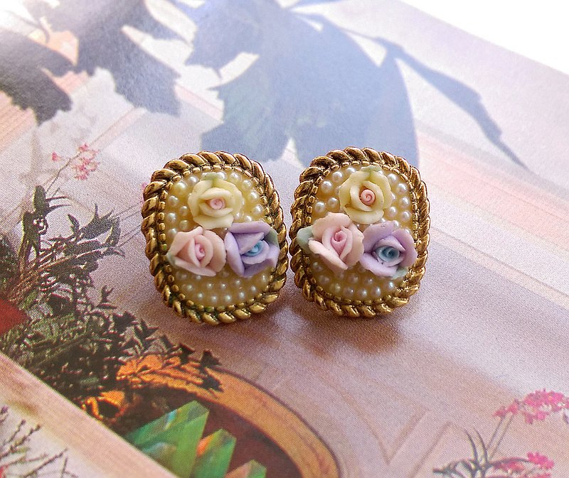 Western antique ornaments. 1928 Elegant Seed Pearl Tricolor Rose Pin Earrings