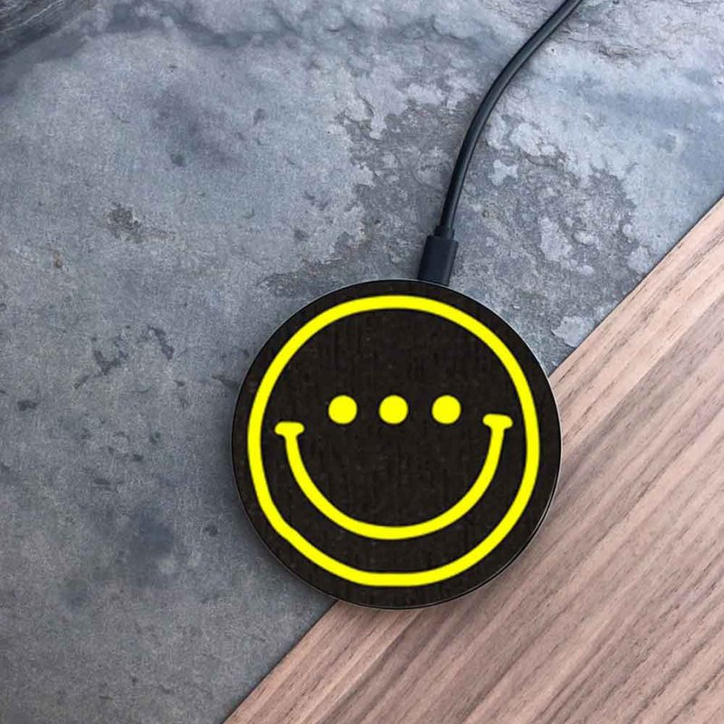 [pre-order] log wireless charging disk / smile yellow