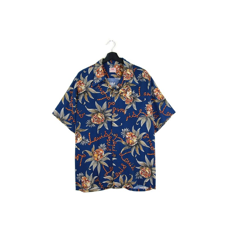 Back to Green :: LEVI'S Midnight Blue // Both men and women wear // vintage Hawaii Shirts (H-32)
