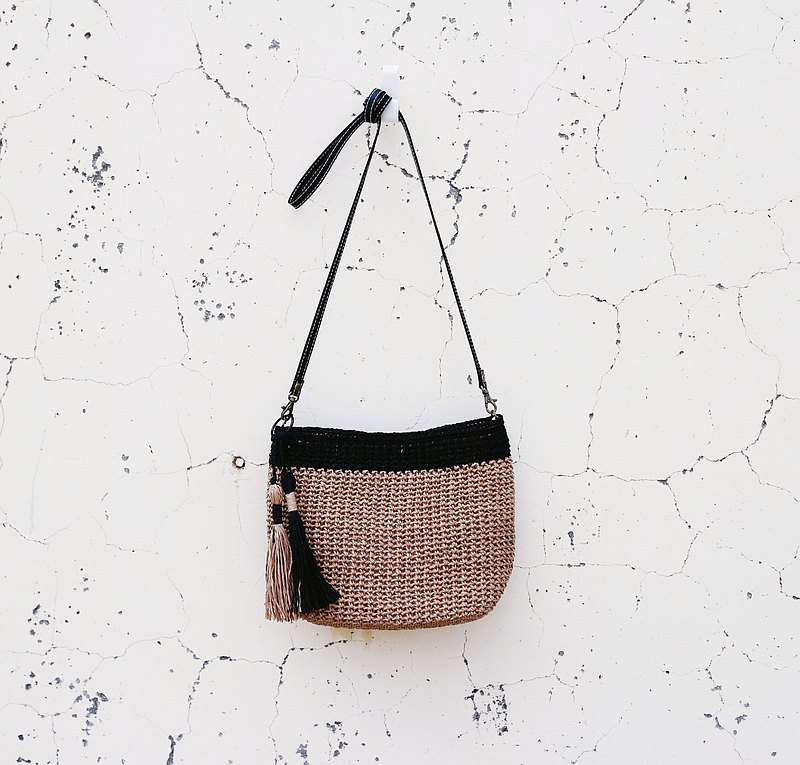 [Spot] Handmade hand-woven/cross-body bag/paper rope bag/tassel