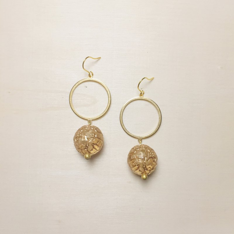 Vintage transparent engraving big ball earrings