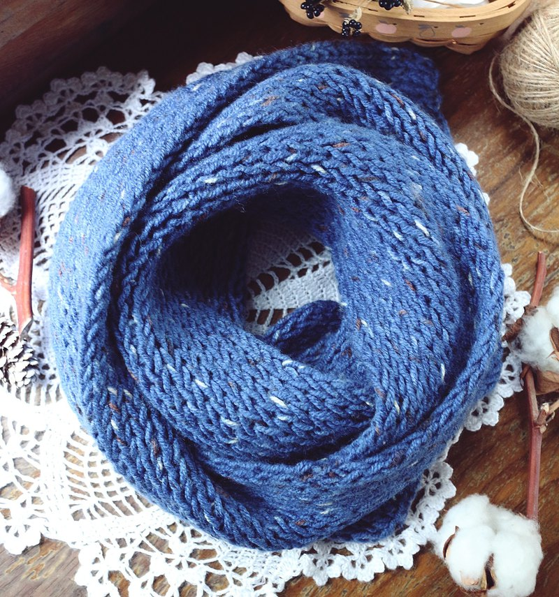 Handmade - White Gull Blue Sea - wool scarf
