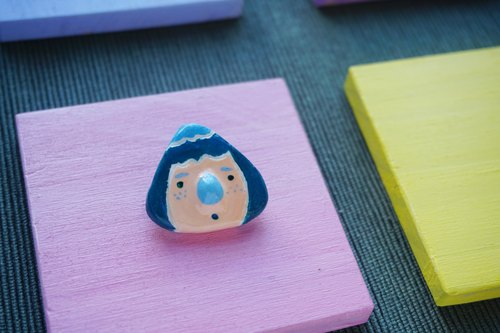 NEW / hachii chestnut head series blue and green pin