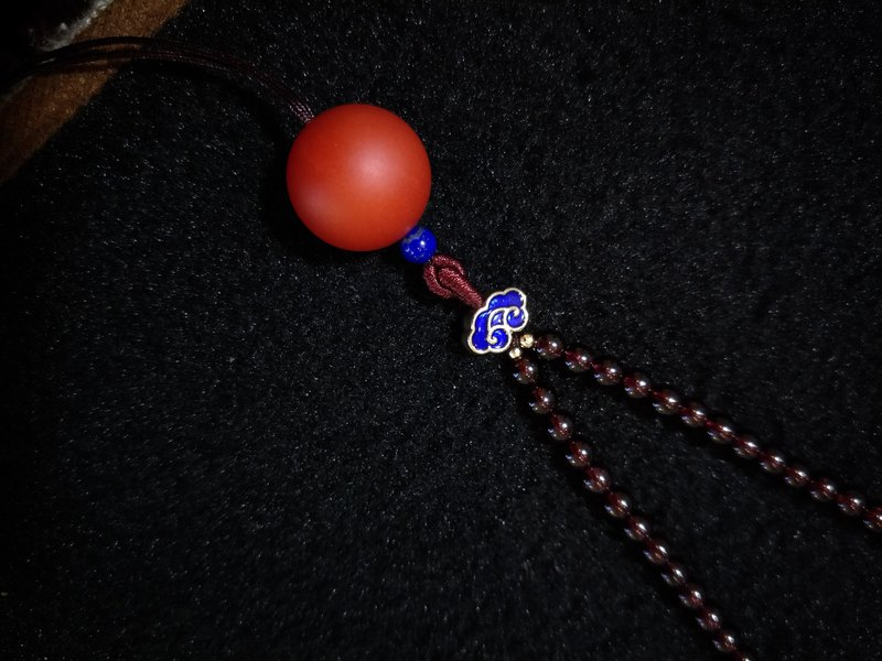 [customized models] South red agate ball short necklace