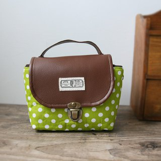 (small camera bag) Single small single eye camera thick cotton camera bag (grass green white point) B35