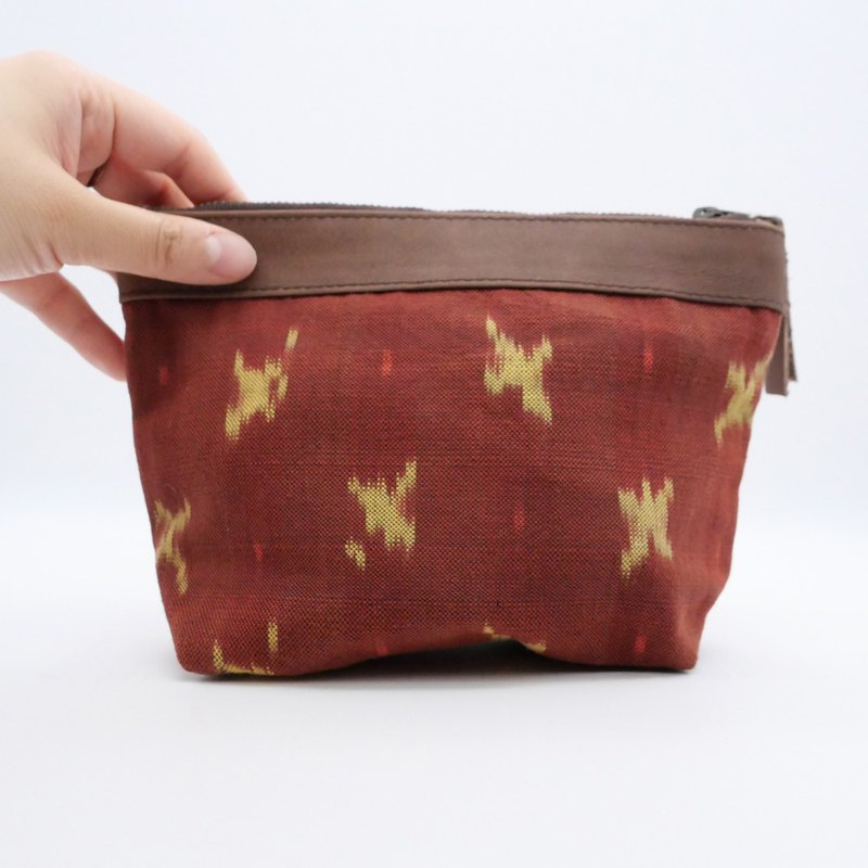 Lamb leather ikat pouch/Red