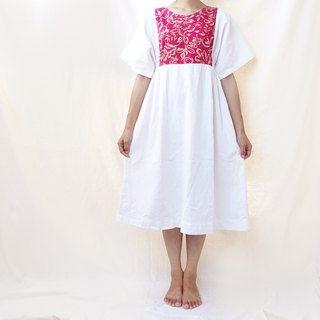 BajuTua / vintage / big red flower with white patchwork thick cotton dress