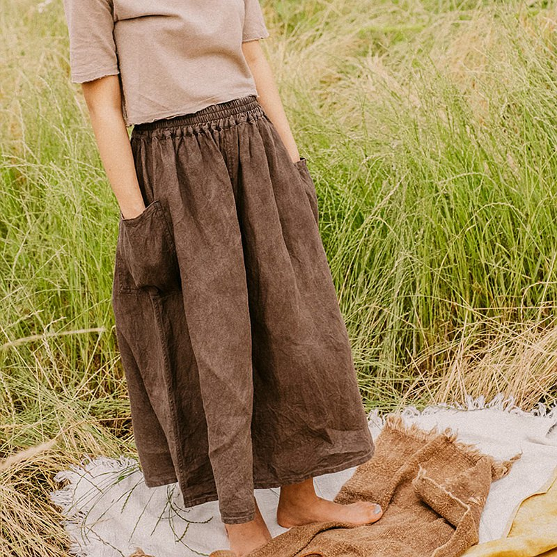 Brown | Born Free 2 Color Retro Literature and Art Hemp Cotton Linen Elastic Waist Skirt Natural Plant Dyeing