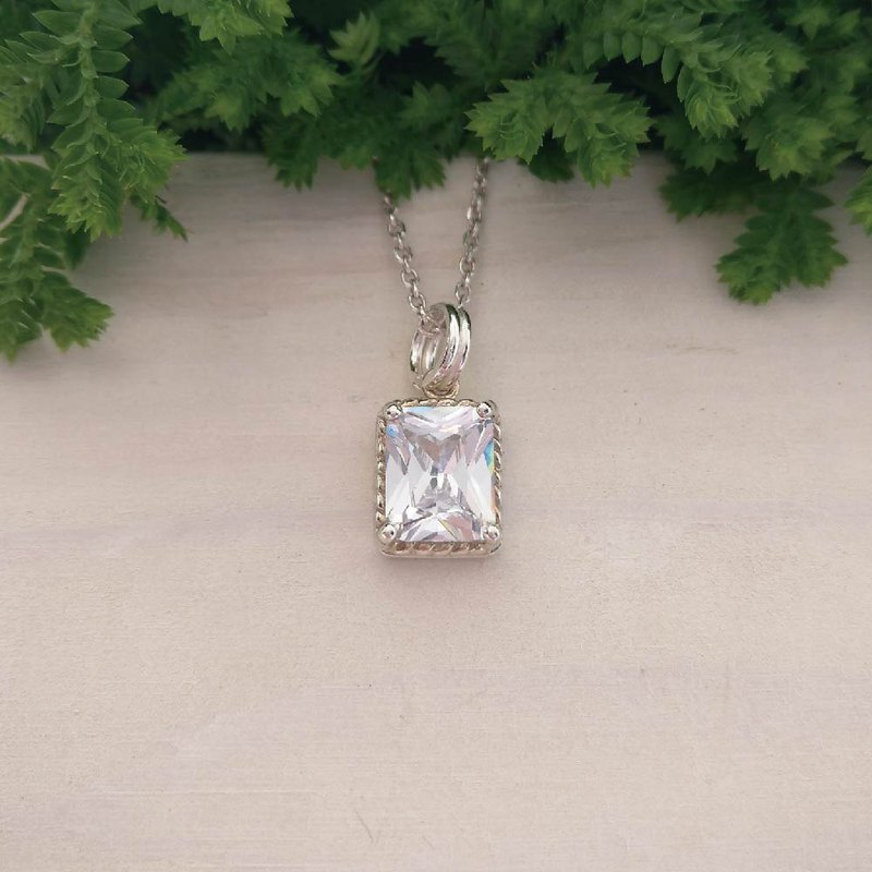 Bright Eyed Lady - 925 Silver-Worn Zircon Necklace