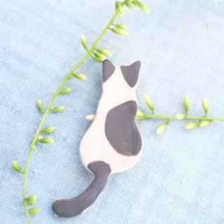 black and white sit / ceramic brooch / handmade