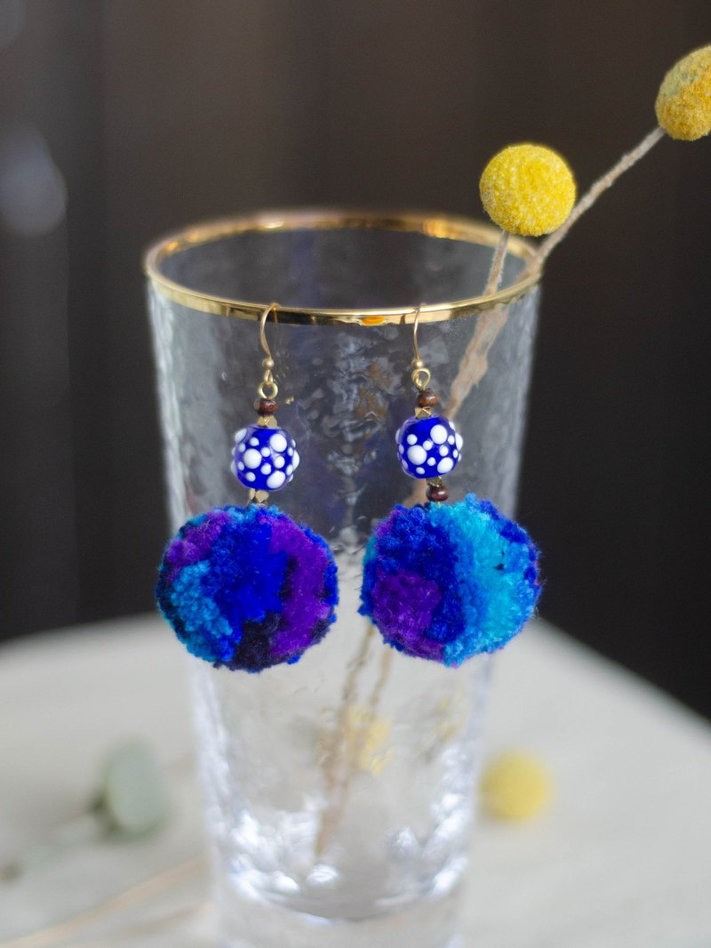 [Deep Sea Series] Hair Ball Earrings, Gradual Hair Balls, Paiwan Handmade Glass Beads, Brass Beads