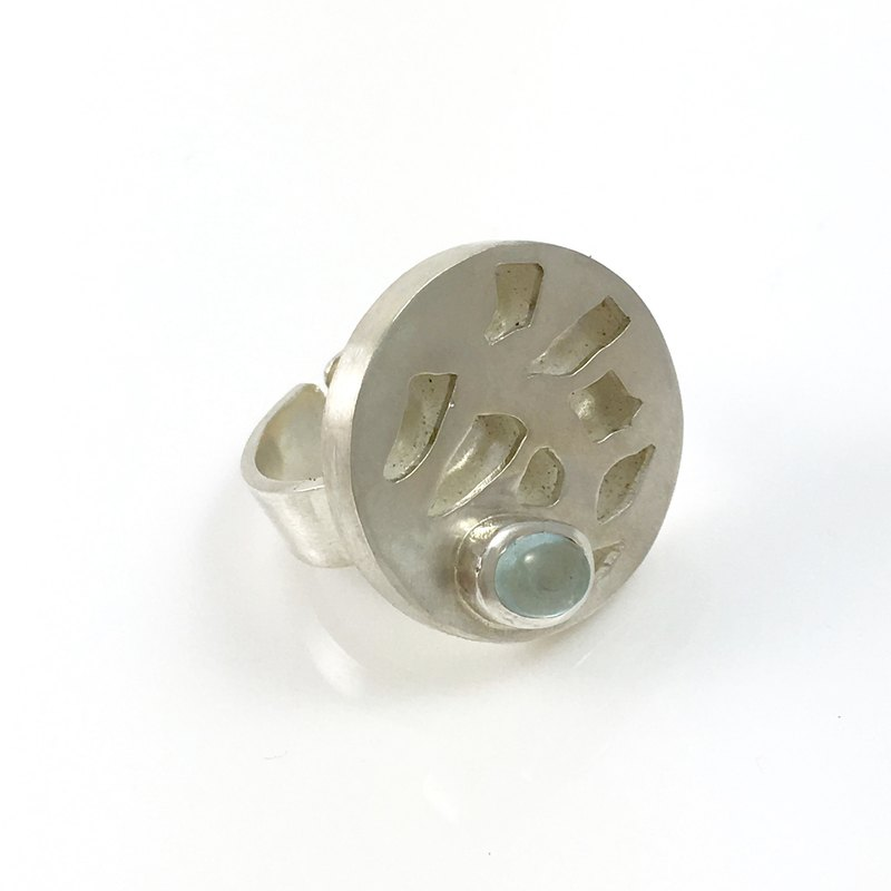 Natural Aquamarine Gemstone Sterling Silver Ring (adjustable ring shank)