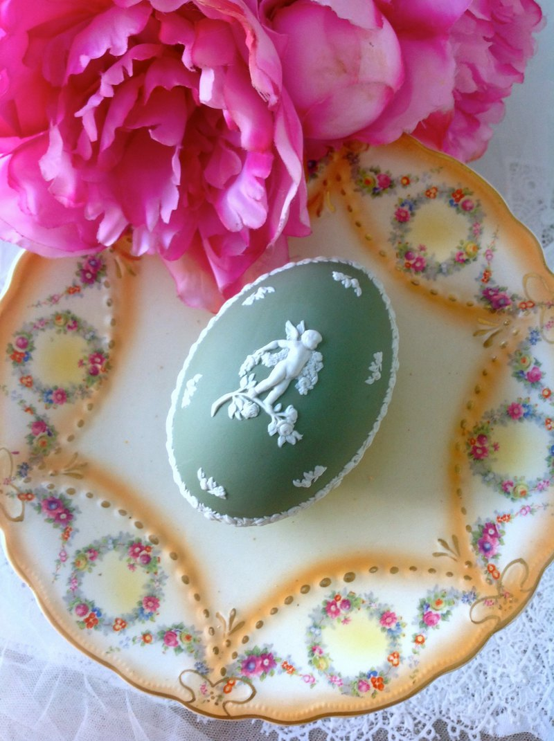 British bone china Wedgwood jasper green jasper embossed love cupid jewelry box jewelry box