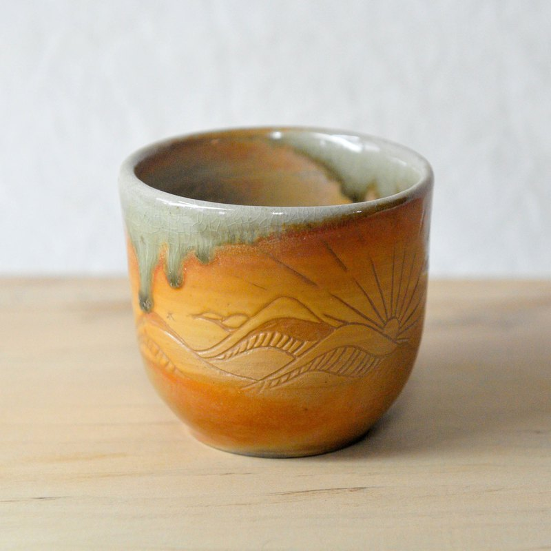 Firewood pottery made of sun and moon gold firewood cup 1