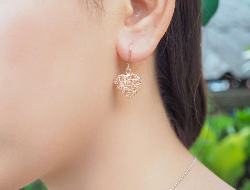 Swirl wire heart shape sterling silver earring with Rose gold plated