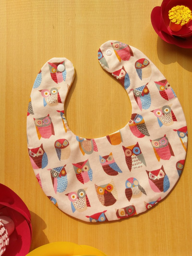 Handmade double-sided bib - pink owl