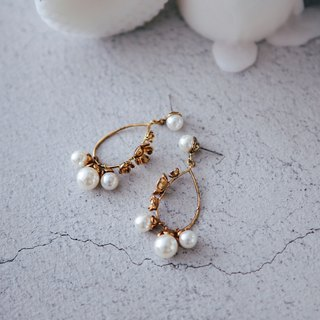 COR-DATE-carved hanging pearl earrings