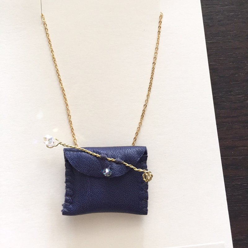 [ Bluesy Mod ] --- Leather Purse necklace (sparkle / dark blue ) . 皮革小錢包項鍊 (深藍色)