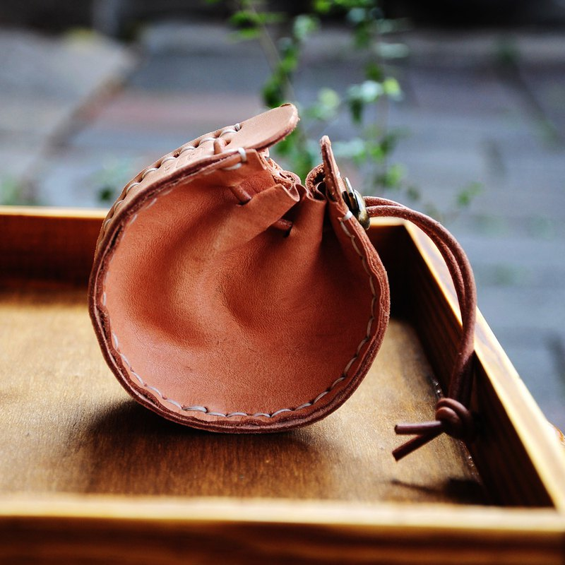Real leather pocket purse / interchangeable hanging neck