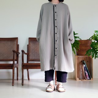 Gray apricot flower sleeves Henry collar long shirt