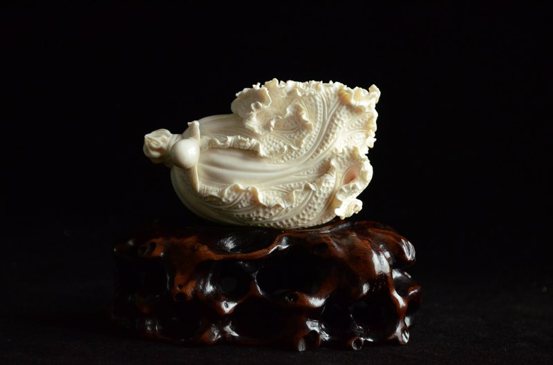 [百财] Natural Siberian Mammoth Ivory Traditional Carving Cabbage Implications Collection Decoration
