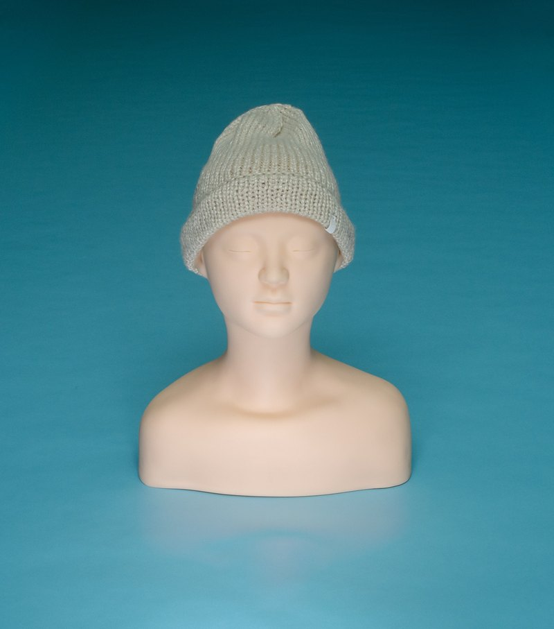 over the basic ♦ Silver Wire - Beige GA01 Hand-woven wool cap