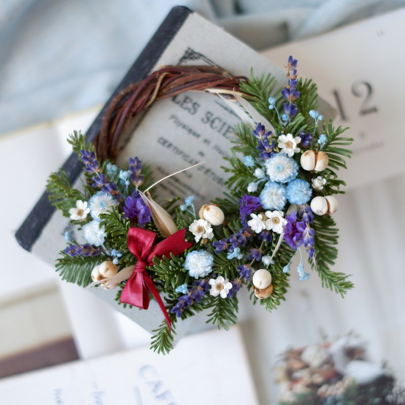 To be continued | Blue Purple Nobelson Dry Flower Christmas Wreath Spot