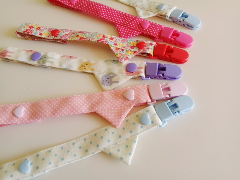 <Three in the preferential combination> Do not pick the color pennant nipple clip nipple with pacifier chain toy clip