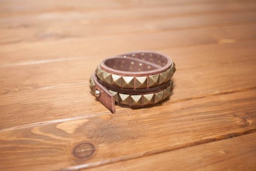 Pao Institute Dreamstation leather, tanned leather Italian brass rivet double circle bracelet