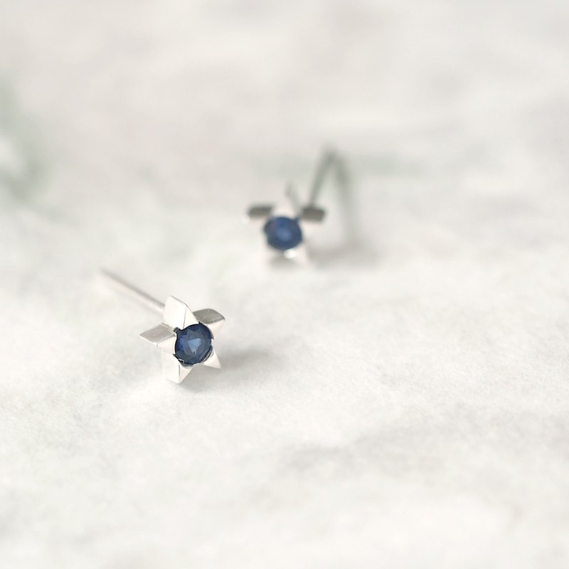 Sapphire tiny star earrings Silver 925