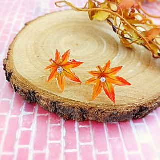 §HUKUROU § Maple Leaf Red Earrings