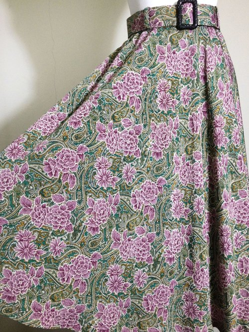 When vintage [antique dress / Nippon flowers textured antique big skirt skirt] abroad back to high texture