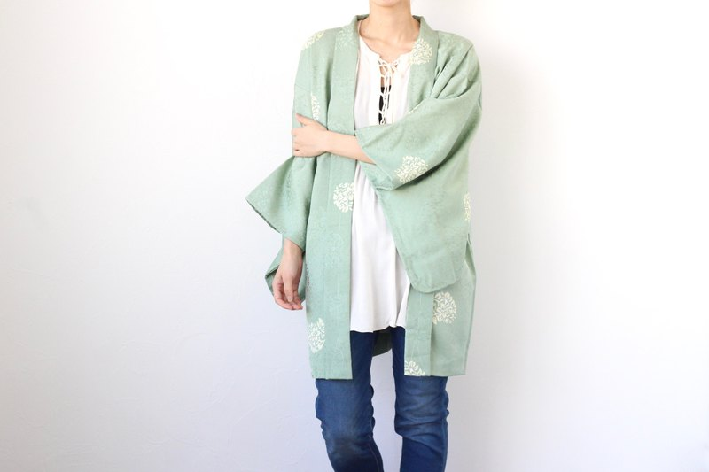 light green kimono, EXCELLENT VINTAGE, Japanese clothing /4208