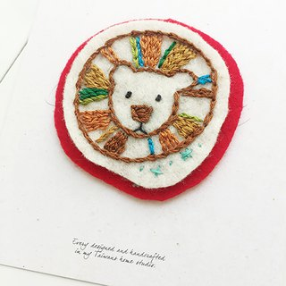 Cha mimi. Hand embroidery Love embroidery! - Pin x color lion