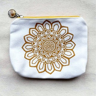 Hand-painted pouches purse bag admission package debris bag pouch small objects orange colored zipper Henna Mandala design Mandala Zen Hanna Man pedicle about ethnic Indian painted canvas