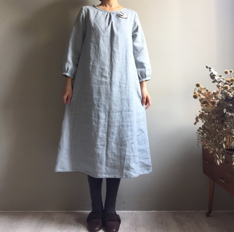 *Winter forest*pink gray round neck long version long-sleeved dress 100% linen with rope