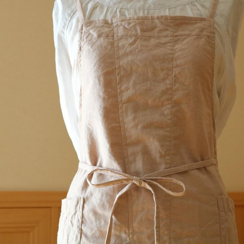 88 cm length slit back cross apron / cotton linen (salmon pink)