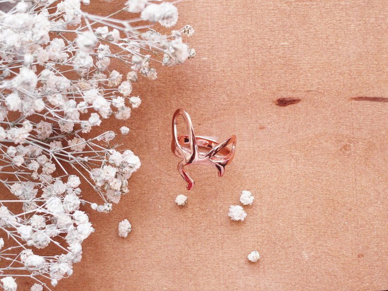 ✦ makeup ✦ bow ✦ copper plating ✦ rose gold ✦ ring