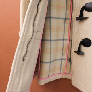 Vintage autumn and winter Korean milk white beige plaid inside vintage horn buckle coat jacket