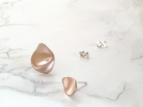 flower shower ピアス (rose/diamond)
